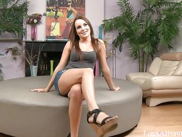 Luxurious chick Jenna R needs a ramrod in her sexy mouth