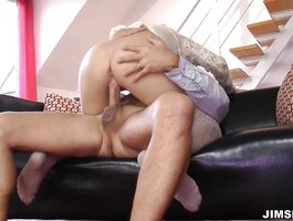 Delicious Lora Summer gives one hot oral-service job