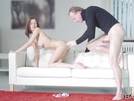 Agreeable diva Tracy is always in the mood to have quick sex until she gets gratified