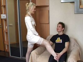 Smooth cunny of a lovable beauty Jenya gets gratified to the maximum