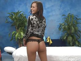 Sweet woman Riley Sinn with wet cunny receives a pecker