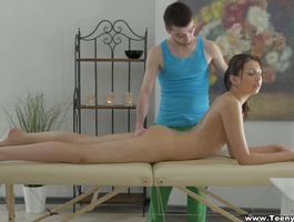 Luxurious babe Rebeca Taylor has hardcore sex with guy
