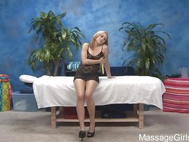 Appetizing young girlfriend Mae Meyers can't live out of to have sex with boyfriend