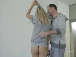 Luscious Vanda is being drilled in her cunny by her pal